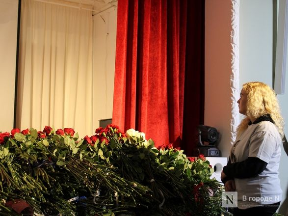 Церемония прощания с Ириной Славиной началась в Нижнем Новгороде (фото) - фото 9