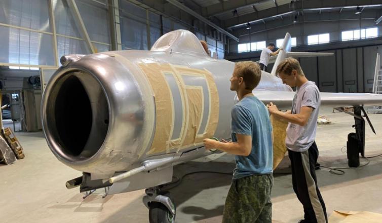 Студенты политеха возродили легендарный МиГ-17 - фото 2