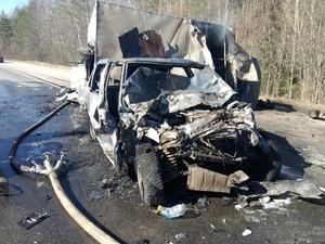 Две машины с водителями сгорели на трассе Нижний Новгород – Киров