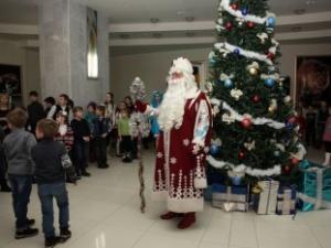 Две тысячи детей-сирот побывали на «Губернаторской елке» в Нижнем Новгороде