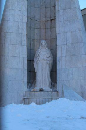 Материнство и любовь: каких женщин и за что увековечили в Нижнем Новгороде - фото 3