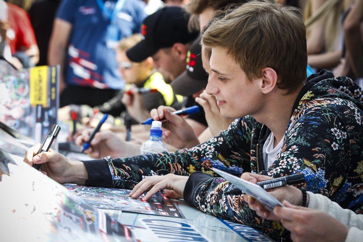 Первый российский пилот «Формулы-1» Виталий Петров проведет автограф-сессию на «Нижегородском кольце» - фото 1