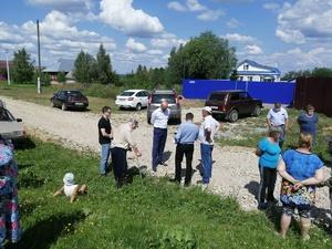 Активисты дали подрядчику месяц на повторный ремонт дороги в Лысковском районе