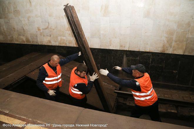 Нижегородский метрополитен показал фото эвакуации пассажиров - фото 4