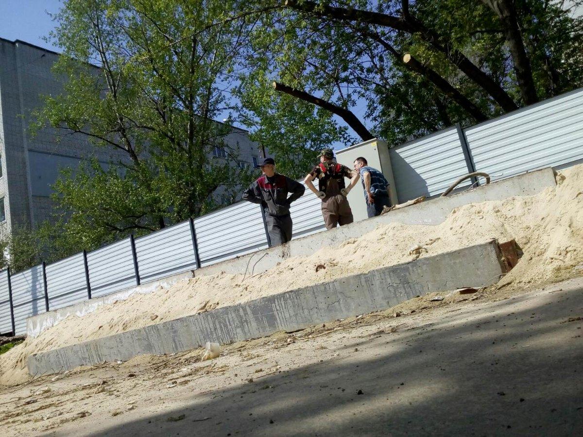 Жители микрорайона «Ярмарка» написали заявление в полицию на действия застройщика гостиницы - фото 1