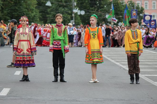 Фестивали духовых оркестров и Дружбы народов прошли в Нижнем Новгороде в День России - фото 13