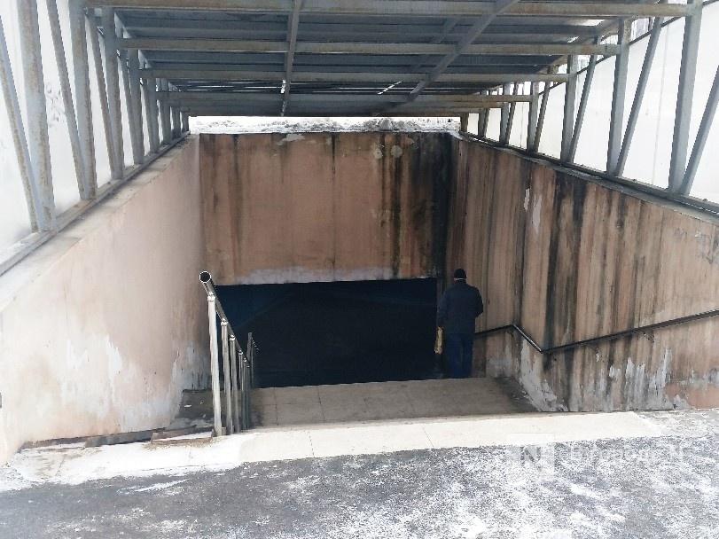 Нижегородцы пожаловались на неудовлетворительное состояние входов в подземный переход на проспекте Гагарина - фото 1
