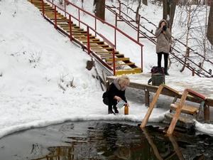 Роспотребнадзор не советует нижегородцам пить воду из крещенских купален
