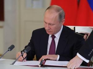Закон о контрсанкциях подписал Путин