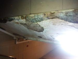 Подземные переходы на улице Советской осыпаются из-за нерабочей ливневки