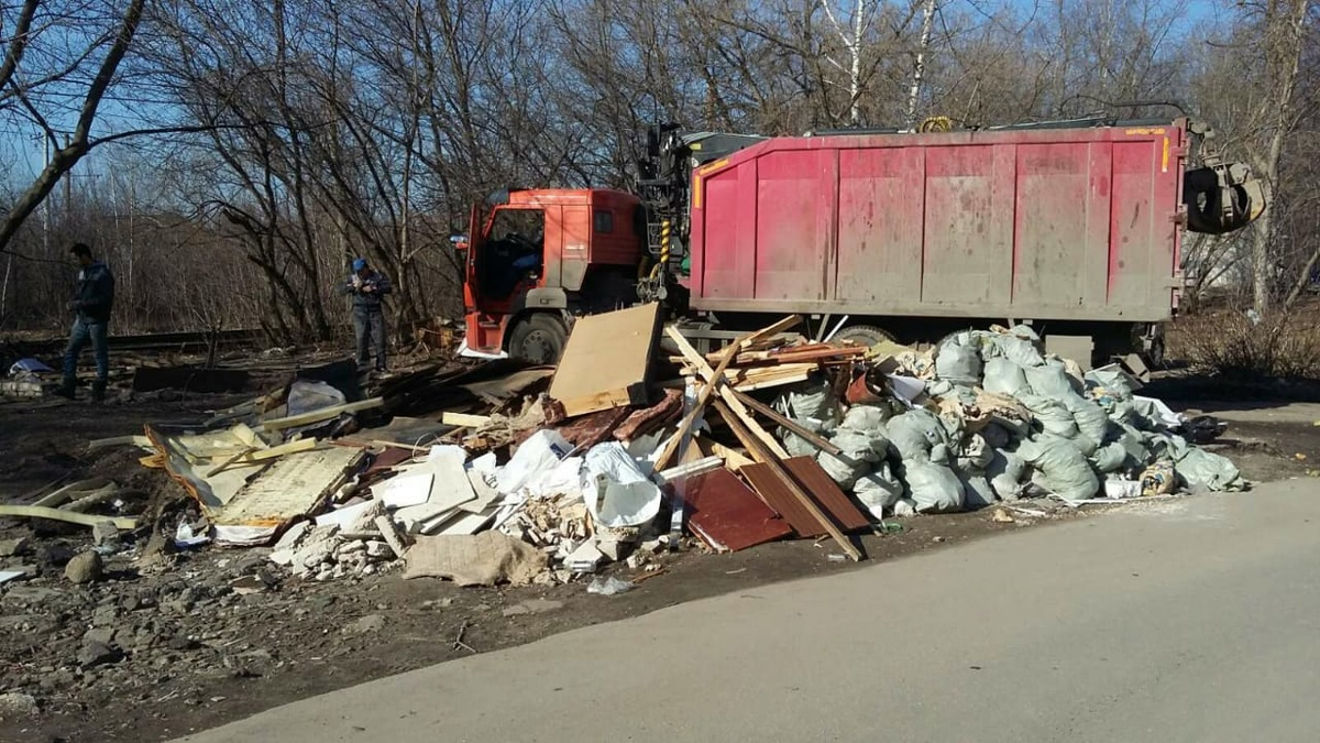 700 кубометров мусора вывезли с улиц Сормовского района - фото 1